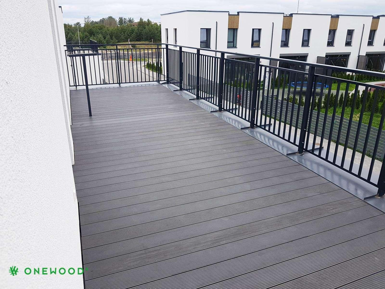 lentos balkonui is WPC