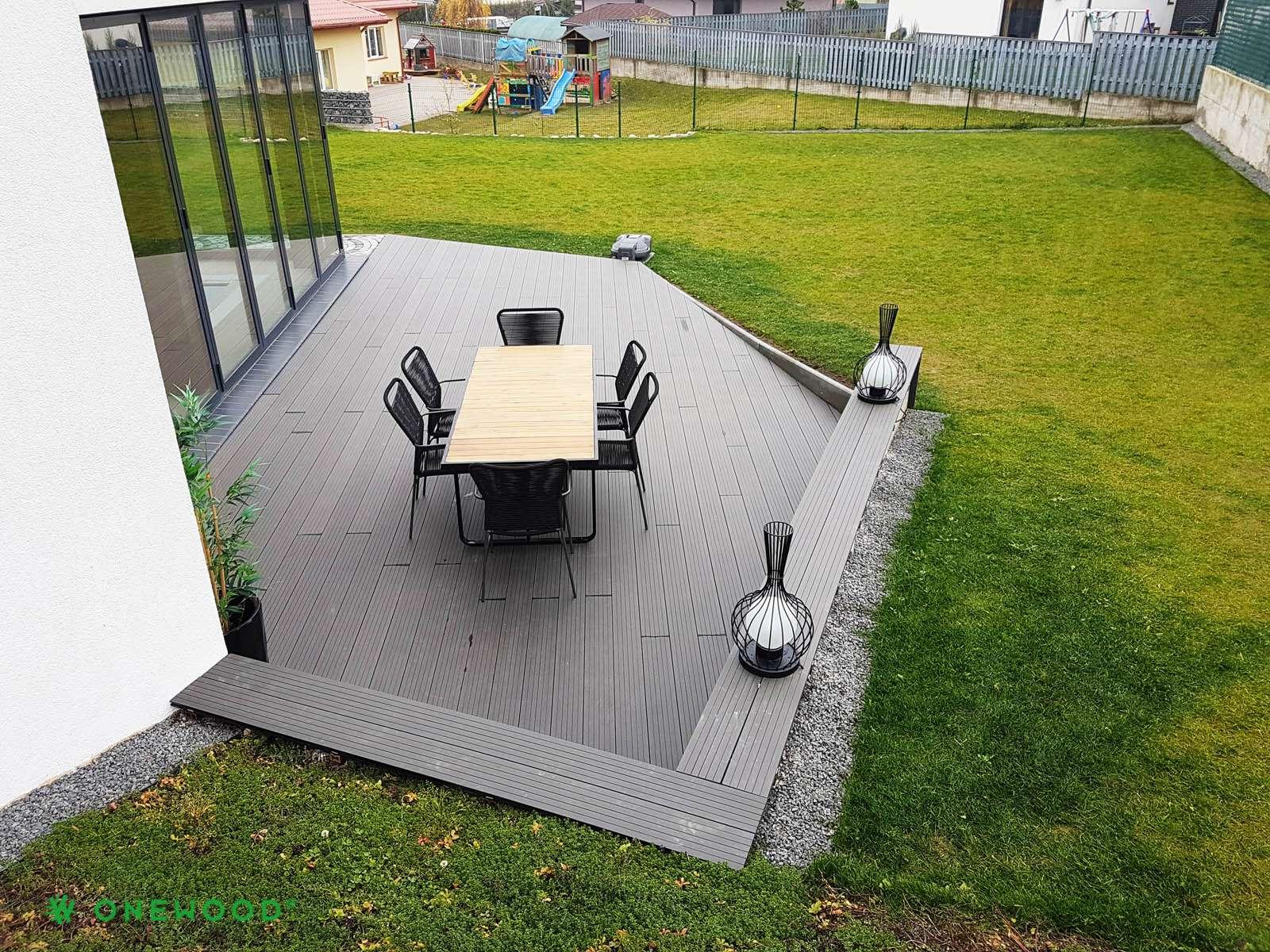 terasa prie namo