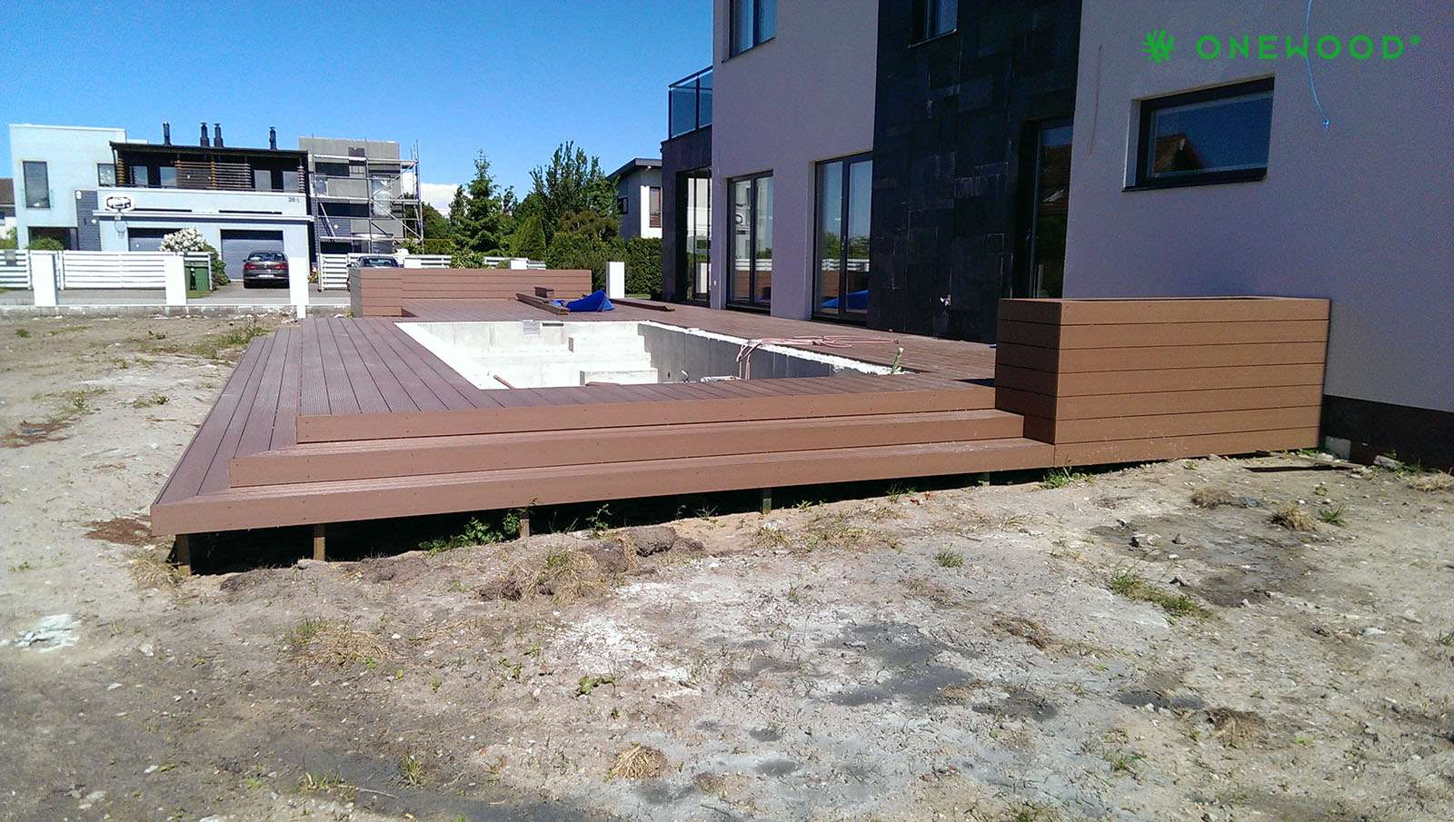 lauko baseinas su terasa