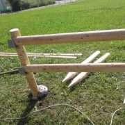 mediniu stulpu montavimas