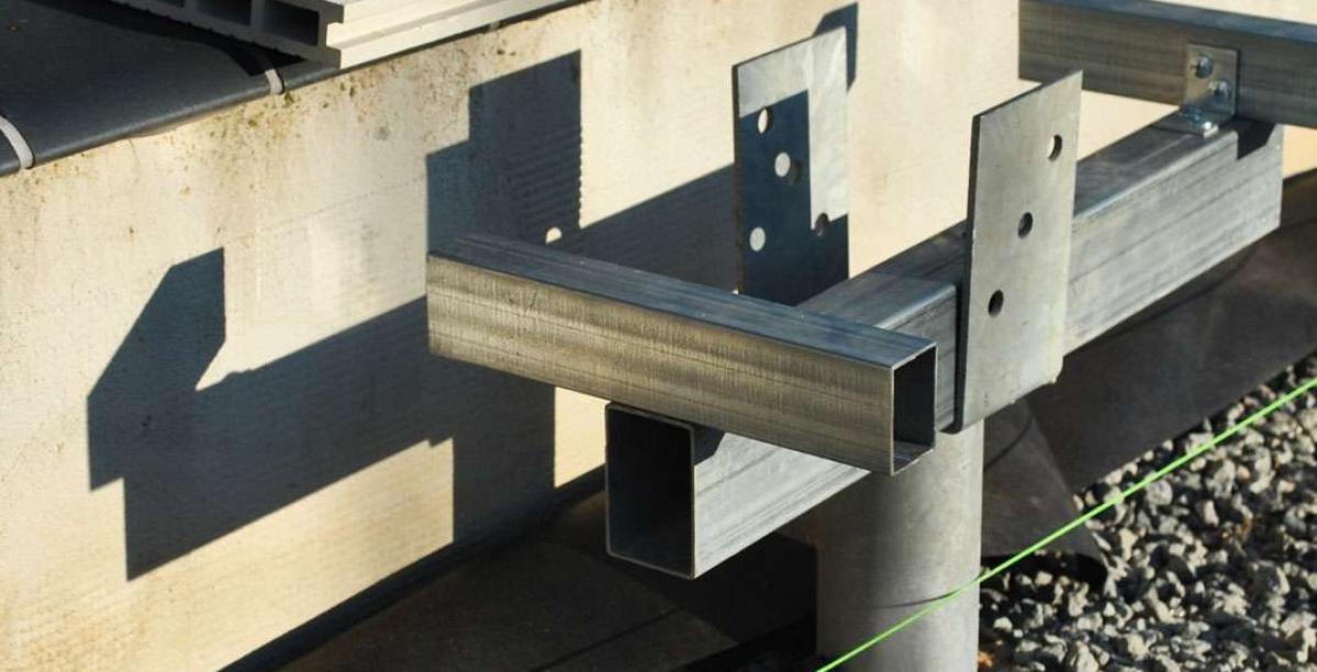 terasos montavimas ant sraigtiniu poliu